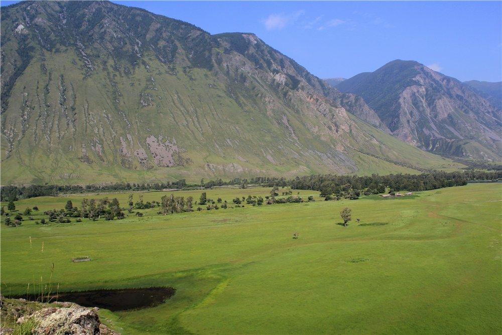 Долина реки Чулышман у впадения в Телецкое озеро
